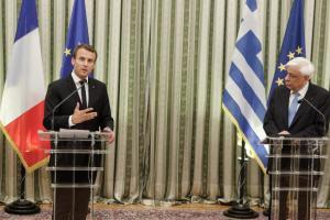 """Μακρόν: Θα συνεχίσουμε να υπερασπιζόμαστε την Ελλάδα – Να βάλουμε τέλος στον """"εμφύλιο"""" στην Ευρωζώνη"""