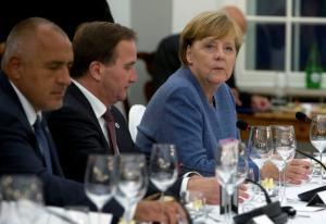 «Πραξικόπημα»! Φιλελεύθεροι και Πράσινοι μοίρασαν… υπουργεία χωρίς τη Μέρκελ