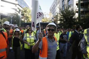 Μεταλλωρύχοι στο υπουργείο Περιβάλλοντος – Κλειστά και τα δυο ρεύματα της Μεσογείων