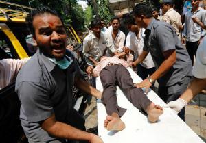 Τραγωδία στην Ινδία: Ποδοπατήθηκαν σε σταθμό τρένου – Συγκλονιστικές εικόνες