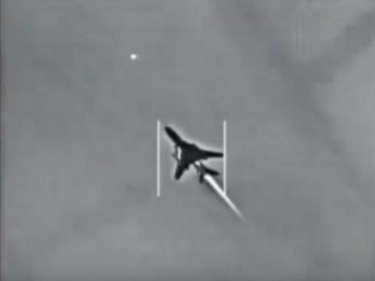 Δείτε πώς κατέρριψε το αμερικανικό μαχητικό το συριακό τζετ [vid] | Newsit.gr