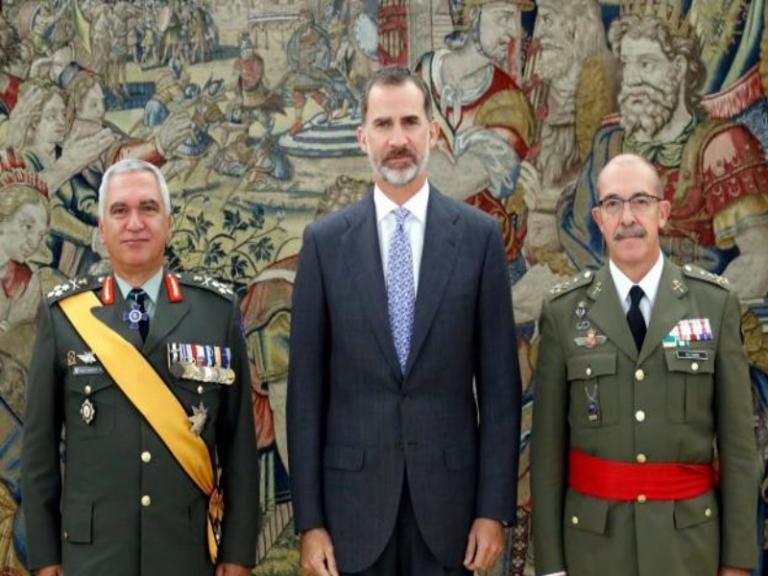 «Βασιλική» επίσκεψη Στρατηγού Κωσταράκου στην Ισπανία [vid, pics]   Newsit.gr