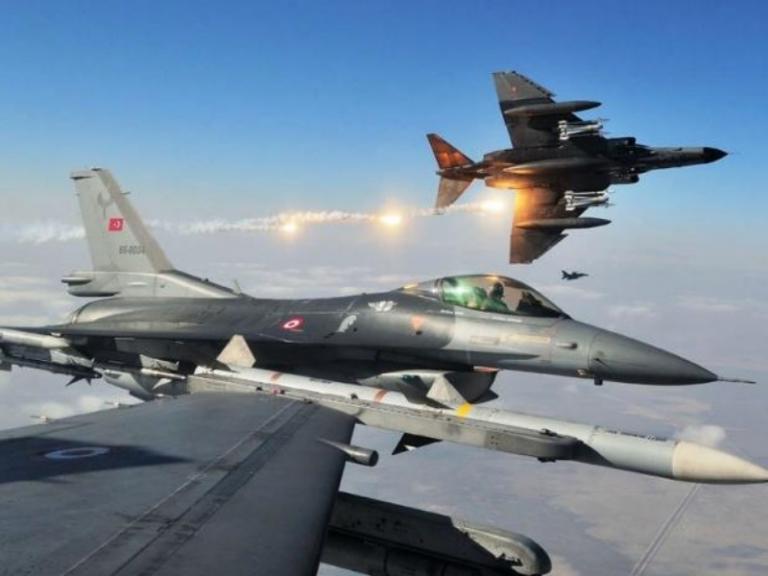 Η τουρκική Αεροπορία κλιμακώνει την παρουσία της στο Αιγαίο | Newsit.gr