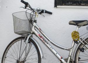 Σοβαρός τραυματισμός 6χρονου που έπεσε από ποδήλατο