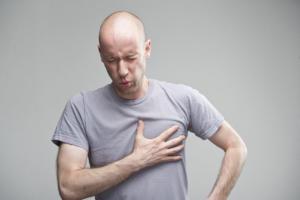 Πόνος στο στήθος από αυξημένο άγχος: Τι πρέπει να ξέρετε – Πότε οφείλεται στην καρδιά!