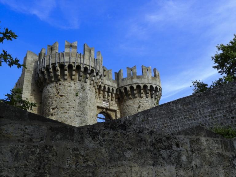 Οι Ιωαννίτες Ιππότες και το Παλάτι του Μεγάλου Μαγίστρου στη Ρόδο | Newsit.gr
