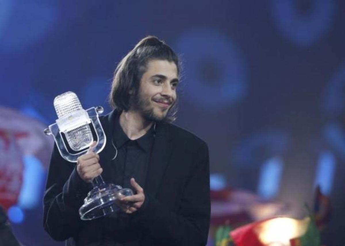 Salvador Sobral: O νικητής της Εurovision στο νοσοκομείο, σε κρίσιμη κατάσταση! | Newsit.gr