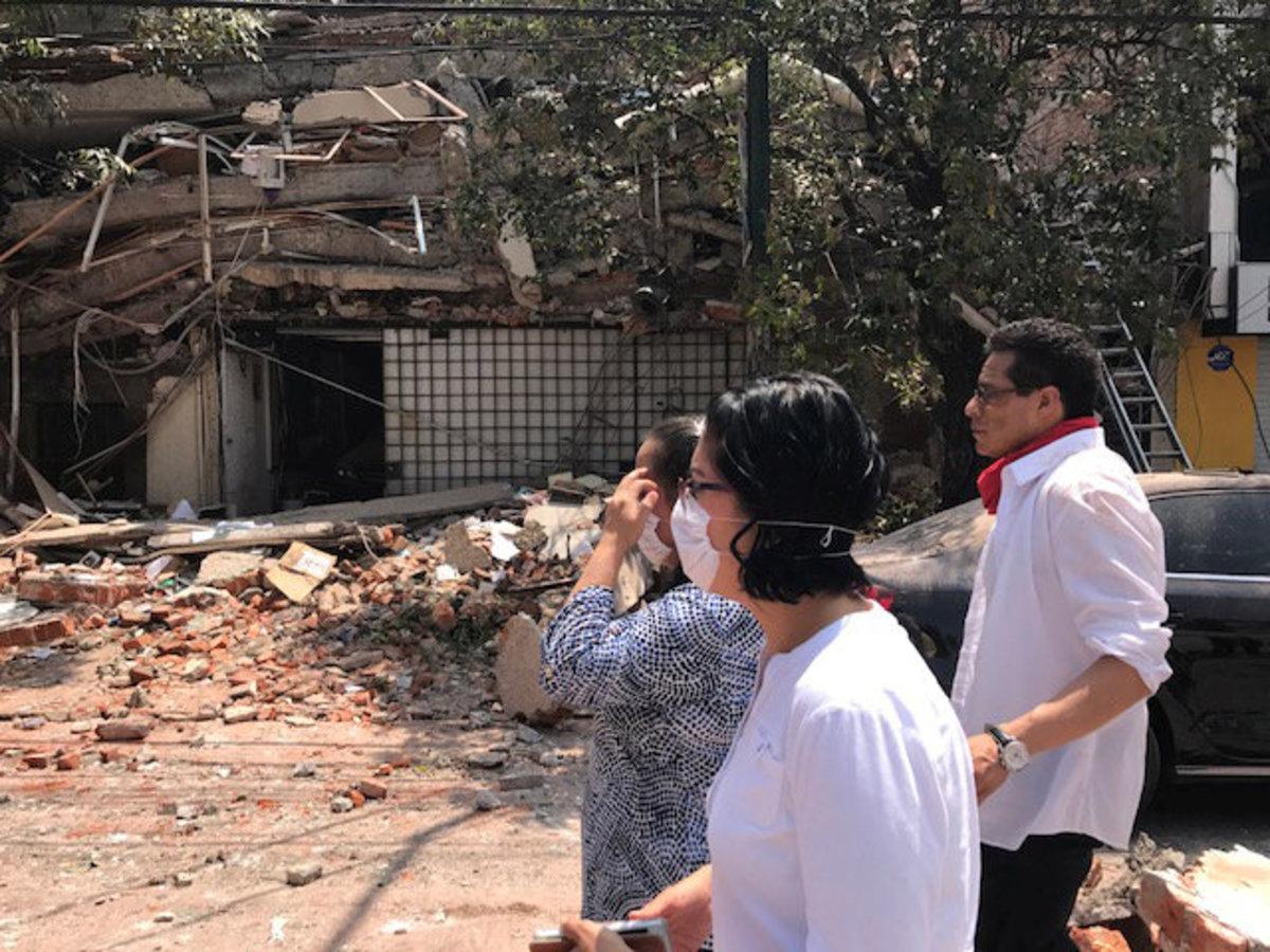 Σεισμός στο Μεξικό: Κτίρια καταρρέουν! Εικόνες σοκ [vids] | Newsit.gr