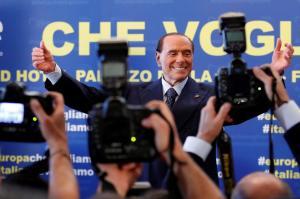 Σίλβιο Μπερλουσκόνι: Επιστρέφει στην πολιτική!