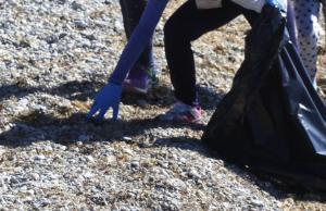 Τα μικροπλαστικά απορρίμματα κυριαρχούν σε παραλίες νησιών της Μεσογείου