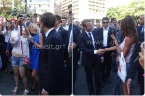 Εμανουέλ Μακρόν – Μπριζίτ Τρονιέ: Δεν θέλουν να φύγουν από την Ελλάδα – Κάνουν βόλτα στο Σύνταγμα!