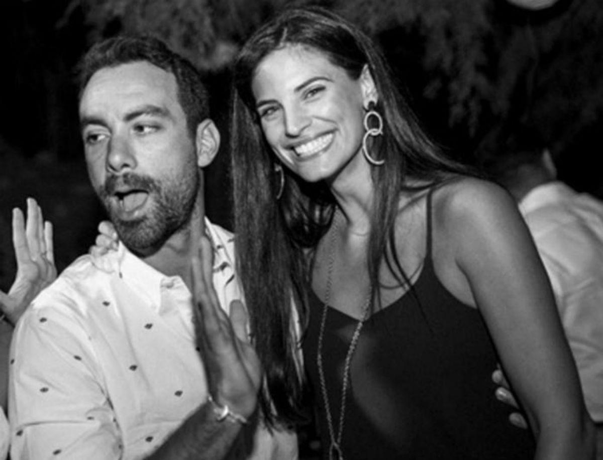 Σάκης Τανιμανίδης – Χριστίνα Μπόμπα: Μεταμεσονύχτια βόλτα με τη μηχανή στην Αθήνα! [pics,vid] | Newsit.gr