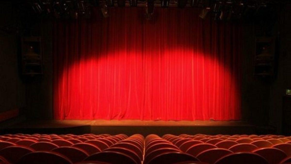 «Έγινα ηθοποιός από αγγελία! Είδα σε εφημερίδα ότι περιοδεύων θίασος…» | Newsit.gr