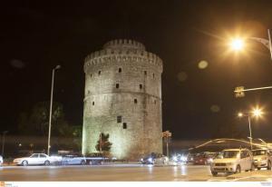 Telegraph: «Θεσσαλονίκη, η ελληνική απάντηση στο Παρίσι»
