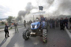 Ηράκλειο: «Θερμή» υποδοχή με τρακτέρ ετοιμάζουν στον Πρωθυπουργό οι αγρότες
