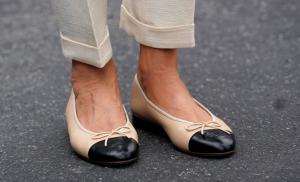 Μελάνια Τραμπ: Έπαθε κι έμαθε! Φόρεσε ίσια παπούτσια [pics]