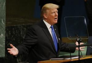 Απειλεί και τη Βενεζουέλα ο Τραμπ: Δεν θα καθόμαστε να κοιτάμε…