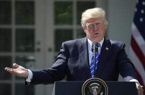«Μαύρισαν» τον… Τραμπ στην Αλαμπάμα