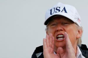 Μας… τρολάρει όλους ο Τραμπ: Δεν συλλυπήθηκα το Μεξικό γιατί δεν είχε… σήμα ο Πένια!