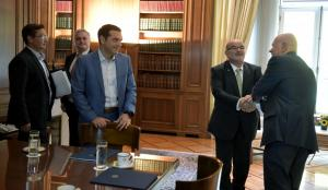 Συνάντηση Τσίπρα με το προεδρείο της ΓΣΕΒΕΕ
