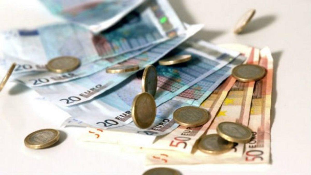 Απ' την… μία τσέπη μπαίνει κι απ' την άλλη βγαίνει το μέρισμα – Μέτρα 1,9 δισ. ευρώ με το «καλημέρα» του 2018