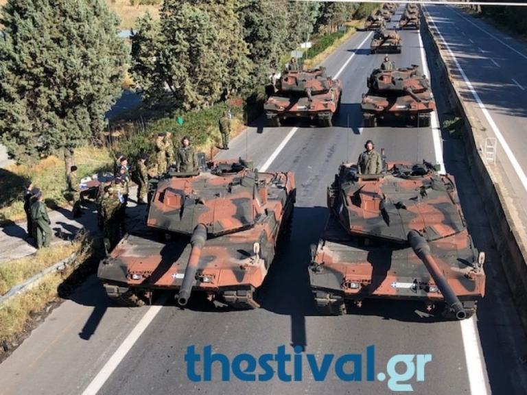 Θεσσαλονίκη: Η πρόβα για τη μεγάλη παρέλαση της 28ης Οκτωβρίου – Άρματα μάχης στο κέντρο [pic, vids] | Newsit.gr