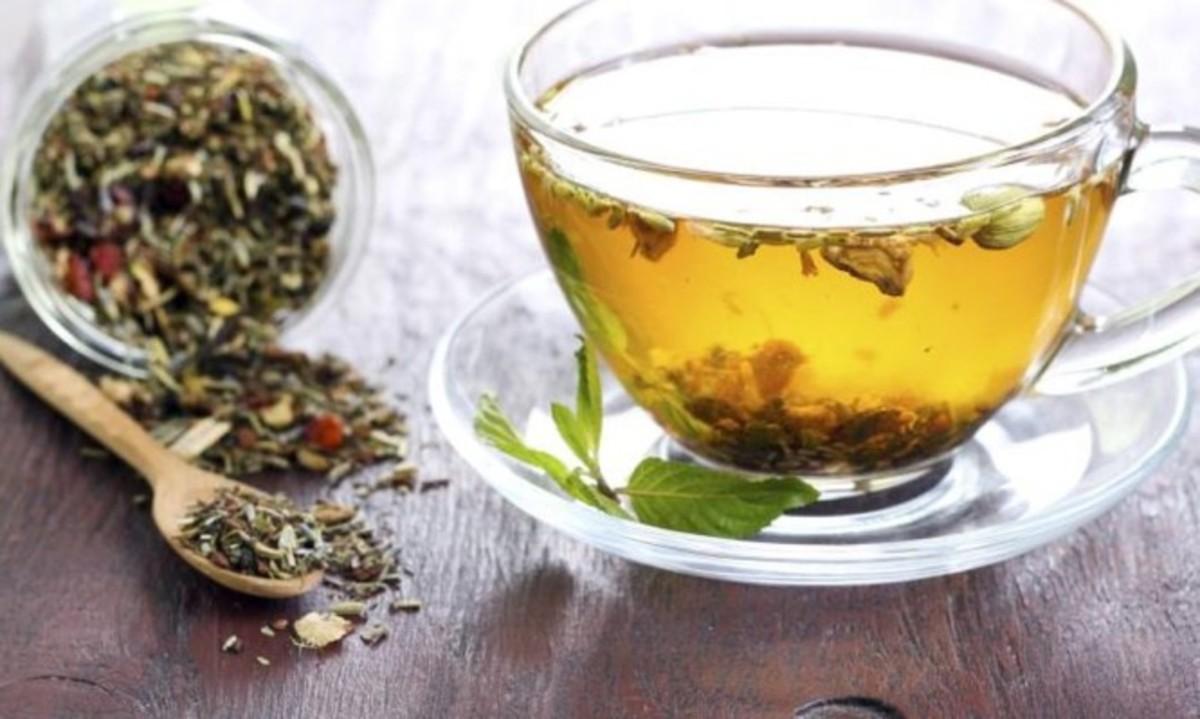 Γαστροοισοφαγική παλινδρόμηση (καούρα): Τι να πιείτε για να ηρεμήσει το στομάχι σας | Newsit.gr