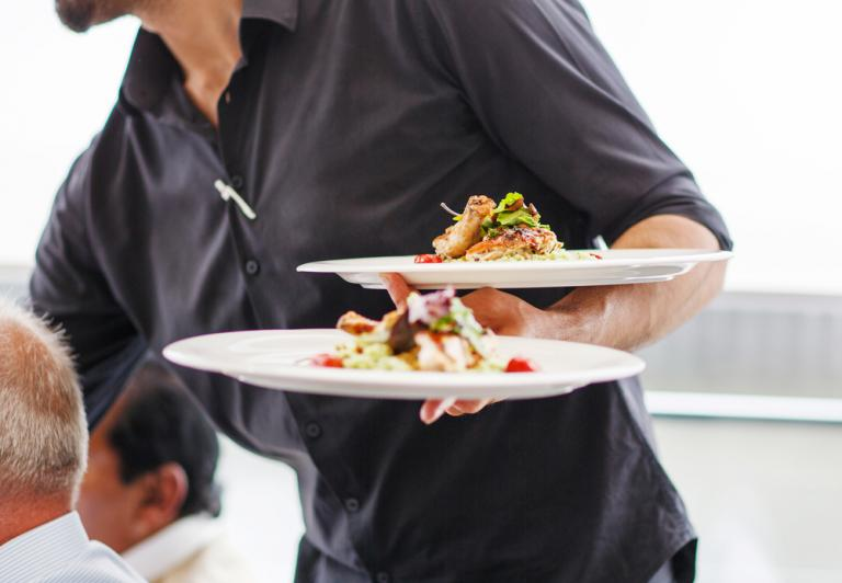 Εστιατόρια: Που υπάρχουν τα περισσότερα μικρόβια – Οι τουαλέτες δεν είναι καν στο top 6… [vid] | Newsit.gr