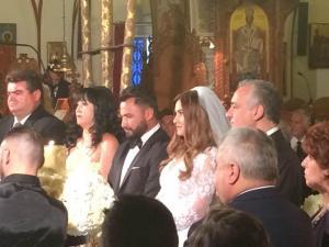 Σαντορίνη: Ο γάμος υπερπαραγωγή με τους εκλεκτούς καλεσμένους – Γαμπρός και νύφη σε πελάγη ευτυχίας [pics]