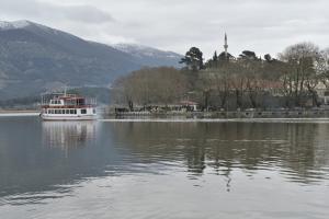 Ήπειρος: Καταγγελίες πολιτών στον Συνήγορο του Πολίτη – Το πρόβλημα της λίμνης Παμβώτιδας!
