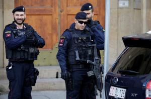 Ιταλία: Πυρπόλησε το σπίτι του και σκότωσε τα παιδιά του