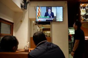 Καταλονία: Ο επικεφαλής της κυβέρνησης καλεί σε διάλογο – Κάθετος ο Ραχόι