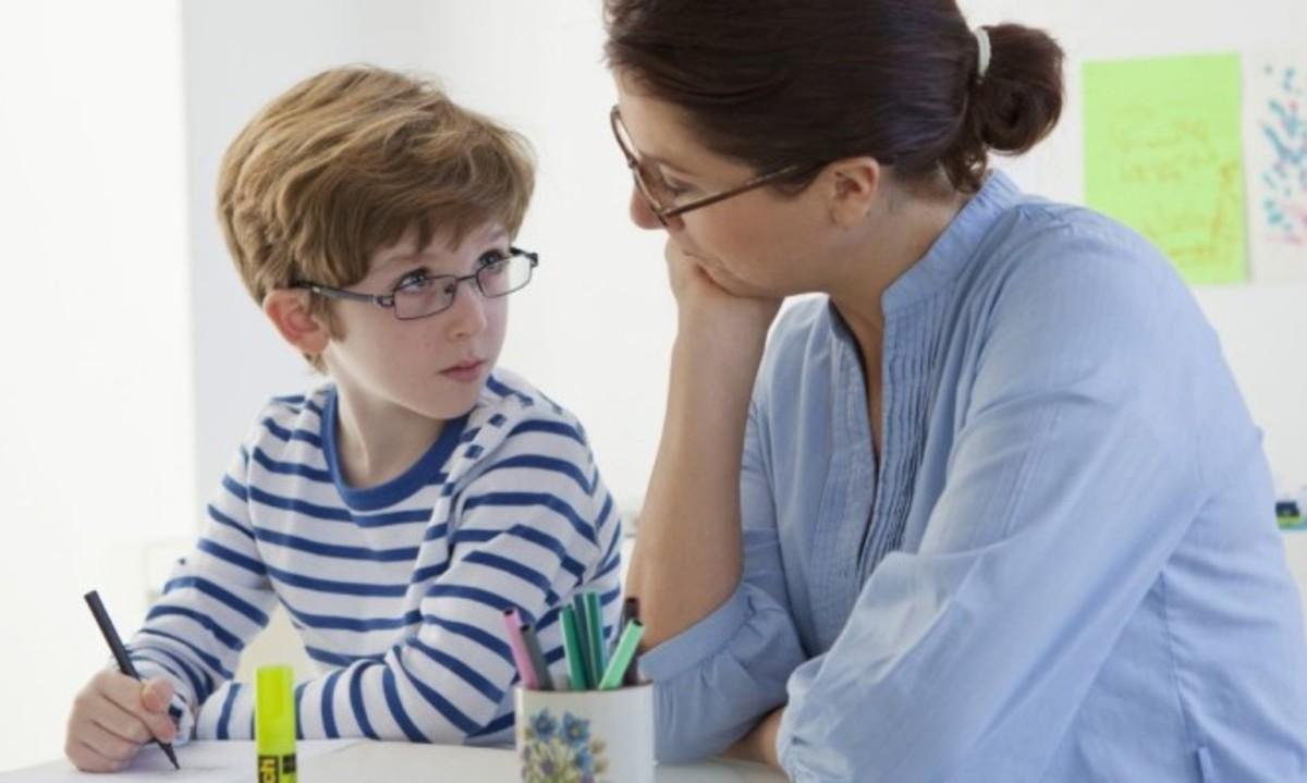 Πώς εκδηλώνονται οι διαταραχές λόγου στο παιδί   Newsit.gr