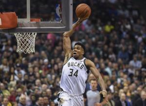 NBA: Ο Αντετοκούνμπο «μονοπώλησε» το top-10! [vid]