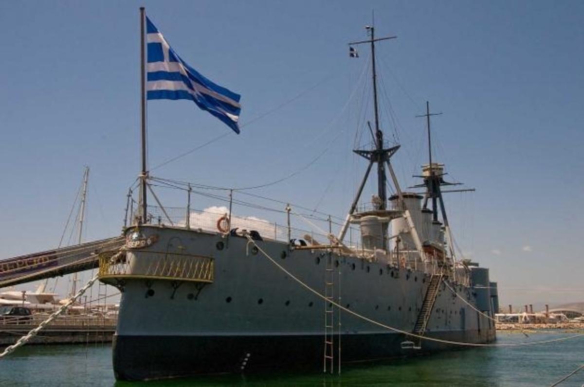 Ύψιστη τιμή: Ο Πρόεδρος της Δημοκρατίας θα παρασημοφορήσει την πολεμική σημαία του Θωρηκτού Αβέρωφ | Newsit.gr