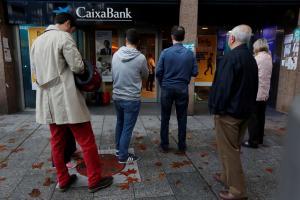 Καταλονία: Υποστηρικτές της ανεξαρτησίας αποσύρουν καταθέσεις από τις τράπεζες
