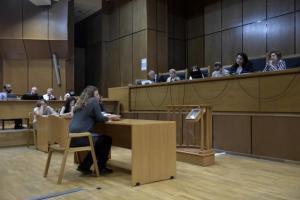 Δίκη Χρυσής Αυγής – Εισαγγελέας: Να καταθέσουν αυτοπροσώπως οι πέντε προστατευόμενοι μάρτυρες