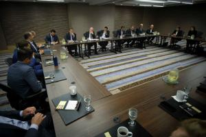 ΗΠΑ: Συνάντηση Τσίπρα με επιχειρηματίες και συμφωνία για οικονομικό «Greek comeback»