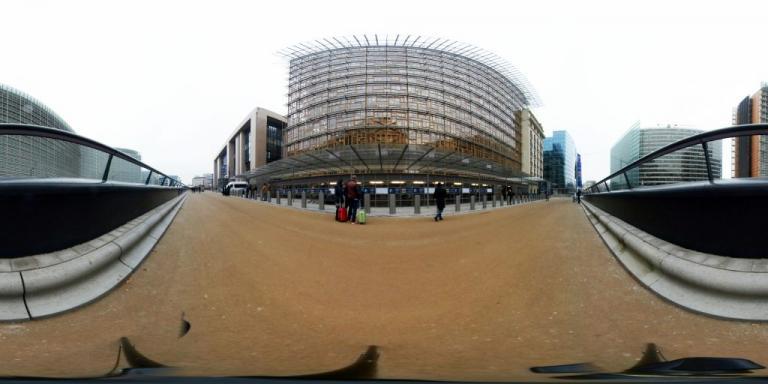Εκκενώθηκε το «Europa»: Τουλάχιστον 13 άτομα δηλητηριάστηκαν