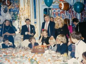 Ιβάνα Τραμπ: Βλέπει την Ιβάνκα πρόεδρο! Η ζωή με τον Ντόναλντ Τραμπ [pics]