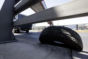 Θεσσαλονίκη: Έκλεβε τις… ρόδες από τα παρκαρισμένα αυτοκίνητα!