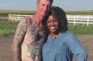Η φιλία που του άλλαξε τη ζωή – Αφαίρεσε τατουάζ με σβάστικα [vid]