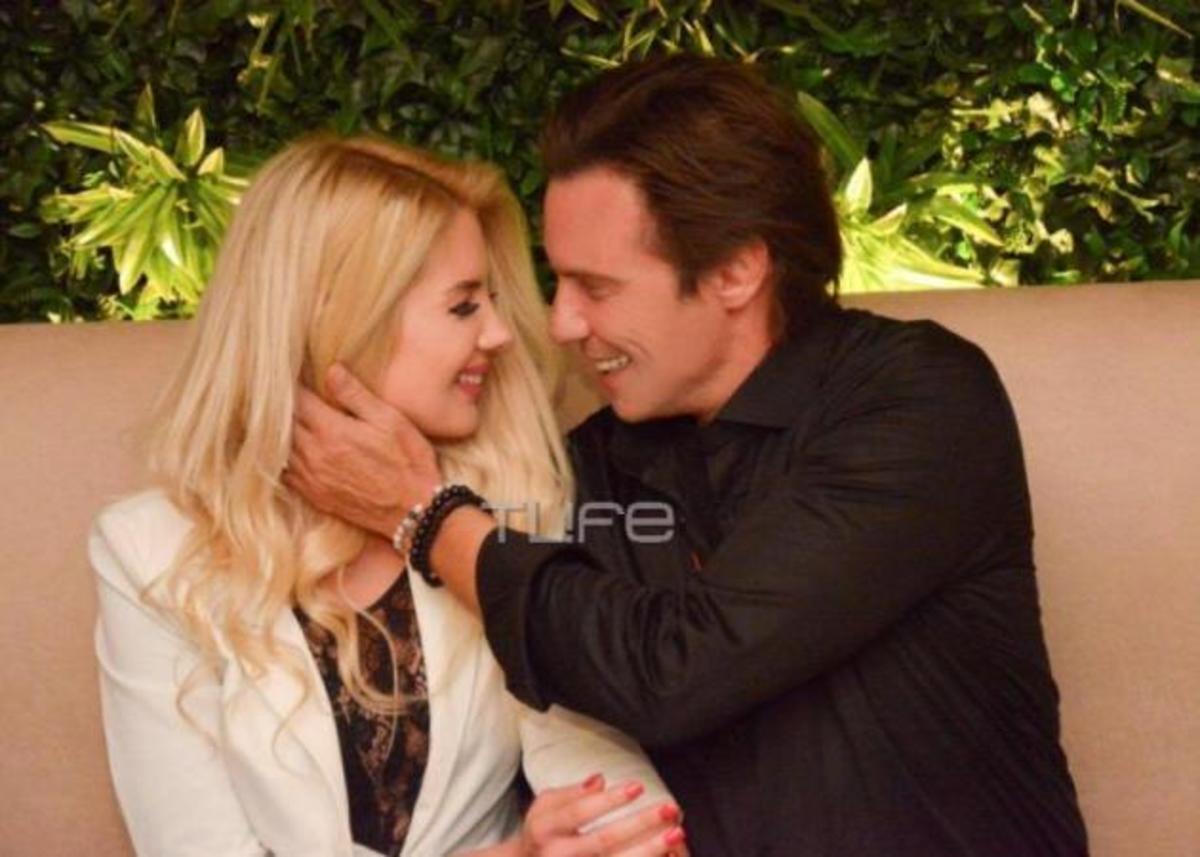 Στράτος Τζώρτζογλου: Σε τρυφερά τετ α τετ με την 25 χρόνια νεότερη σύντροφό του! [pics] | Newsit.gr