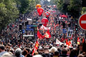Γαλλία: Απεργούν οι δημόσιοι υπάλληλοι – «Φουντώνει» η δυσαρέσκεια για τις αλλαγές στα εργασιακά