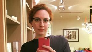 Μαχαίρωσε δημοσιογράφο μέσα στον σταθμό – «Άκουγα φωνές μετά την εκπομπή της»