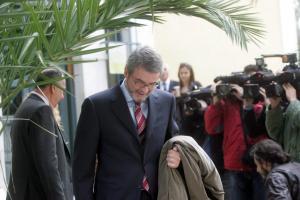 Siemens: Τρίτη δίκη για Χριστοφοράκο προτείνει ο εισαγγελέας