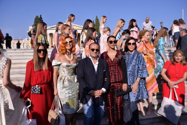Οι celebrities στο fashion show του Βασίλη Ζούλια στο Ζάππειο! [pics]   Newsit.gr