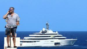 Κρήτη: Η άφιξη του Αμπράμοβιτς και η θαλαμηγός με τους υψηλούς καλεσμένους του – Οι διακοπές του κροίσου [pics]