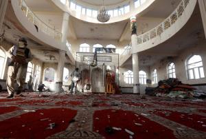 Αφγανιστάν: Στους 56 οι νεκροί από την επίθεση «καμικάζι» σε τέμενος – Το «Ισλαμικό Κράτος» ανέλαβε την ευθύνη