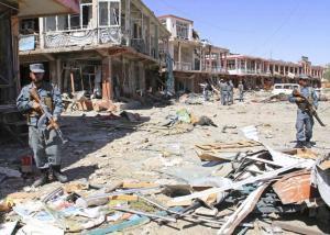 """Νέο """"λουτρό"""" αίματος στην Καμπούλ! Καμικάζι ανατινάχθηκε μέσα σε σιιτικό τέμενος"""